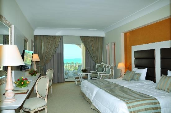 Hasdrubal Thalassa & Spa room bed